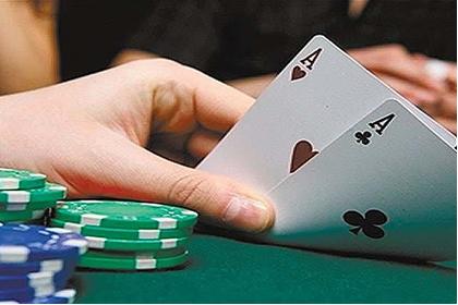2020年打牌财运方位 今天打牌坐哪个方位好